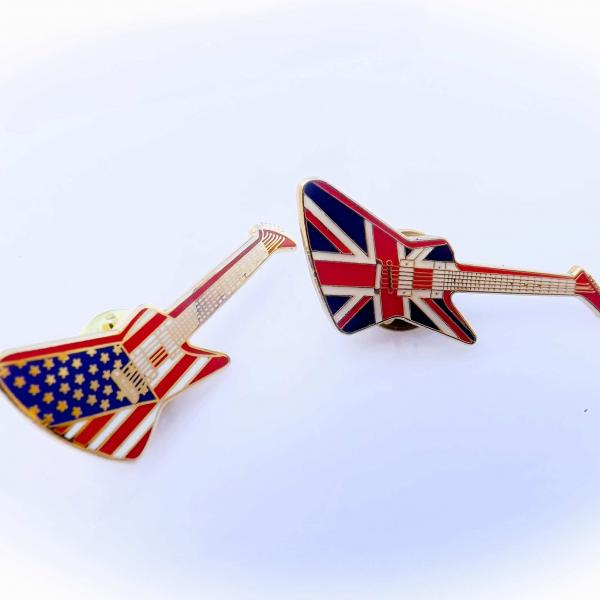 Gibson Explorer Guitar Pin Badge - Union Jack & American Flag